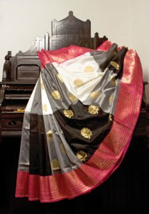 Katan-Silk-with-Big-checks-Saree